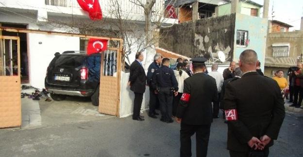 Diyarbakır'dan İzmir'e İki Şehit Ateşi Düştü