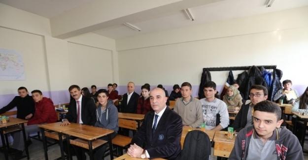 Ergün Atalay'dan Serdivan Anadolu Lisesi'ne Sürpriz Ziyaret