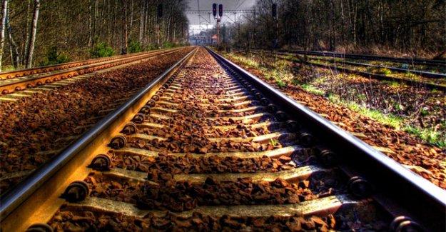 Trenler çarpıştı: 8 ölü, 150 yaralı