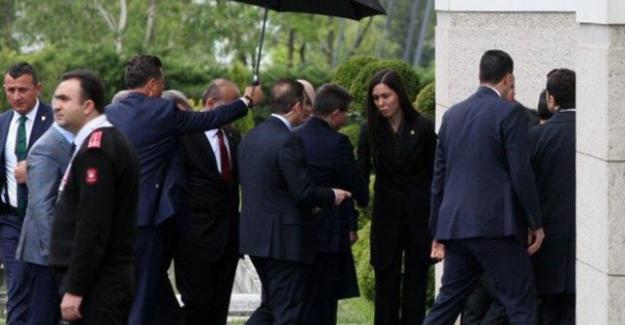 Başbakan Davutoğlu, AK Parti Genel Merkezi'nde