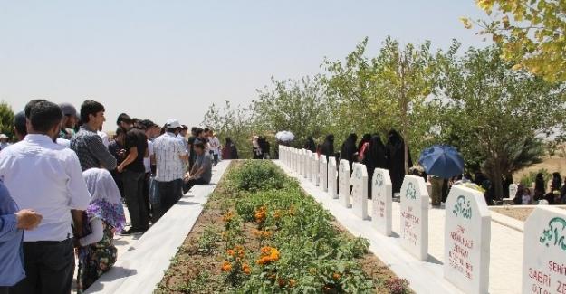 Silvan'da Susa Camii katliamında ölenler anıldı