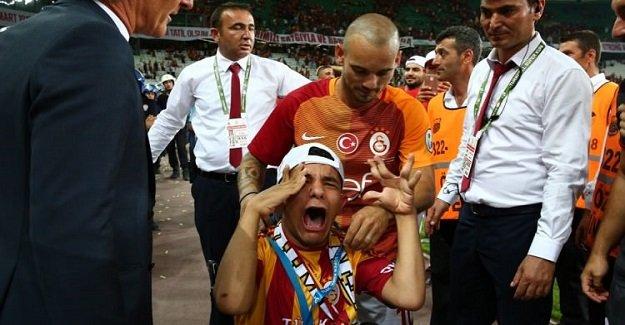 Gecenin hareketi Wesley Sneijder'den