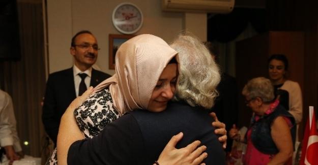 Aile ve Sosyal Politikalar Bakanı Kaya'dan bayram ziyareti
