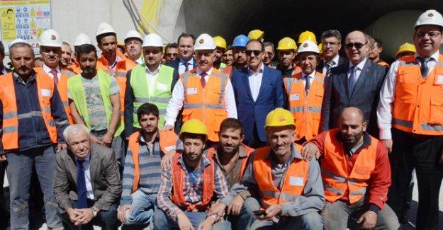 Bakan Arslan'dan İzmir-İstanbul Otoyolu müjdesi