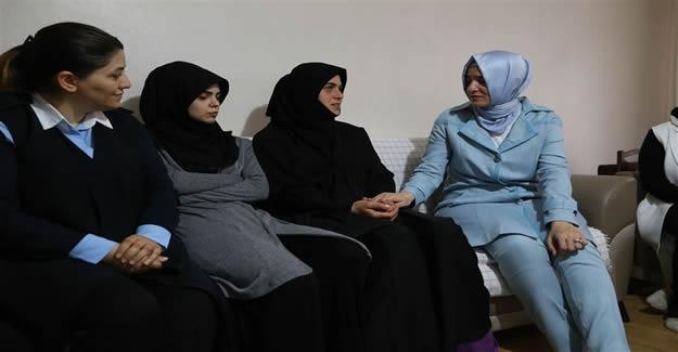 Bakan Fatma Betül Sayan Kaya'dan 15 Temmuz şehit ailelerine ziyaret