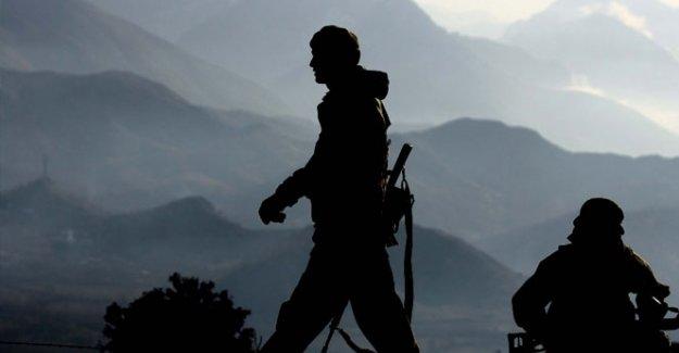 Çukurca'da askeri noktalara saldırı