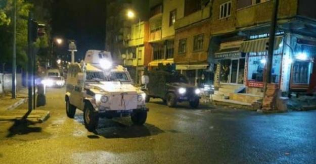 Siirt'te polis aracına roketli saldırı