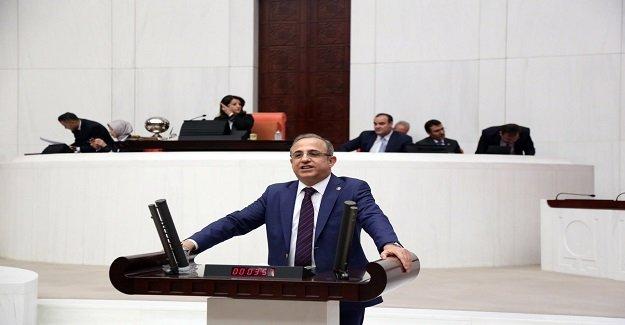 AK Partili Sürekli: İzmir'e Cumhuriyet Tarihinin En Büyük Yatırımını Yapıyoruz