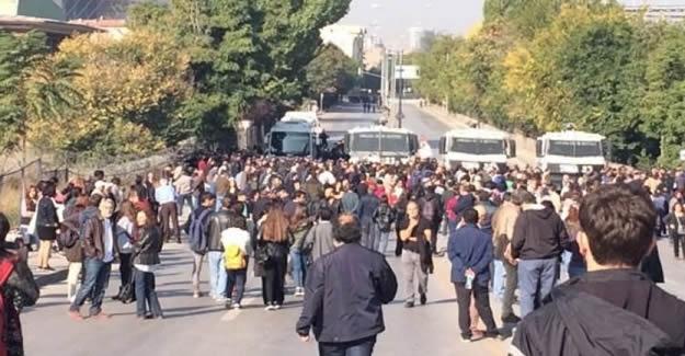 Ankara'da hareketli dakikalar: Polis yolu kapattı!