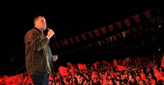 Ankaralılar Cumhuriyet Bayramı'nı Anıtpark'ta coşkuyla kutladı