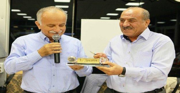 Başkan Karabağ muhtarlarla bir araya geldi