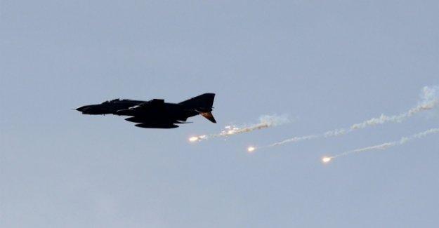 Koalisyon 'yanlışlıkla' Irak ordusunu vurdu!