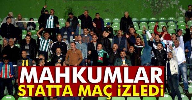 Mahkumlar statta maç izledi