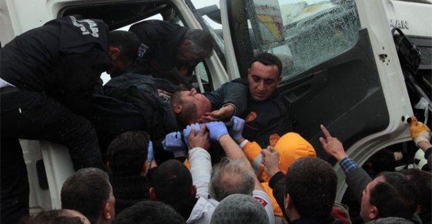 Başkent'te Kaza: 11 yaralı