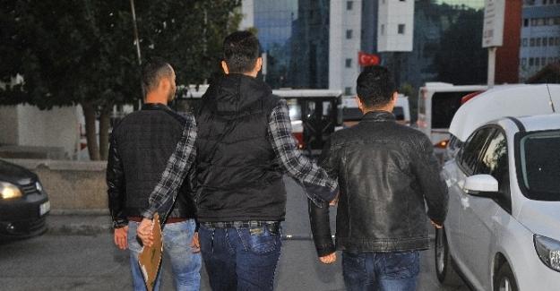 İzmir ve Manisa'da FETÖ operasyonu