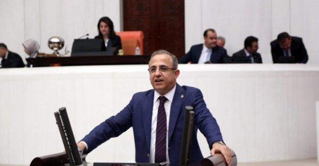 """Kerem Ali Sürekli: """"Öğretmenlerimiz Anne Ve Babalarımız Kadar Değerlidir"""""""