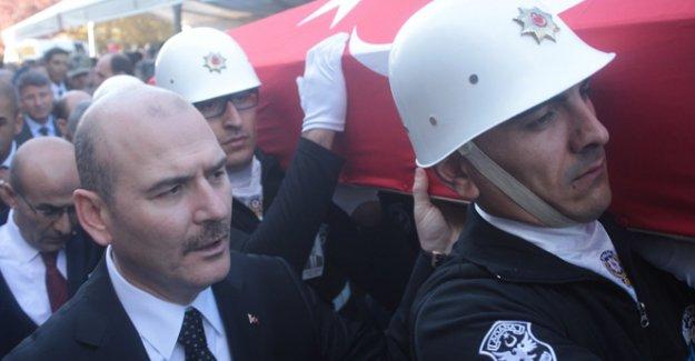 Şehitlerin cenazesini Bakan Soylu taşıdı