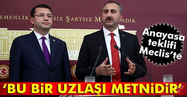 AK Parti'nin anayasa değişiklik teklif TBMM Başkanlığına sunuldu