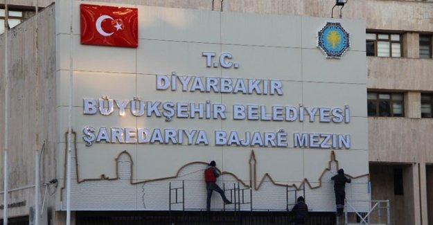 Belediye tabelasına Diyarbakır silueti eklendi