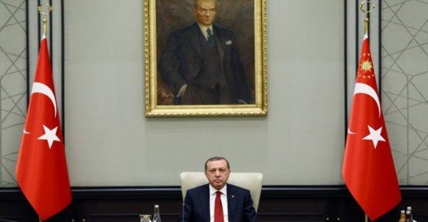 Cumhurbaşkanı Erdoğan, Hulusi Akar'dan bilgi aldı