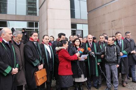 Avukatlar'dan Başbakan Hakkında Suç Duyurusu