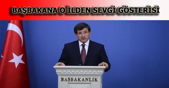 Başbakan Davutoğlu'na Sevgi Dolu Karşılama
