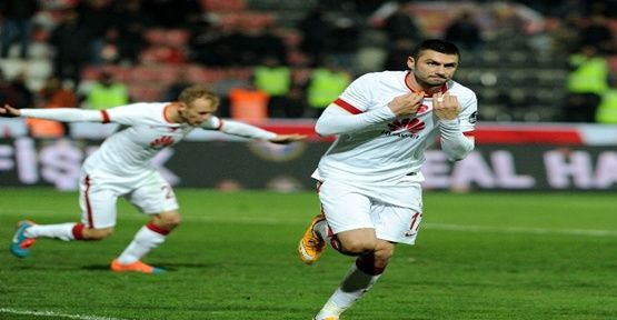 Burak Yılmaz'dan Galatasaray'a 17 milyon TL