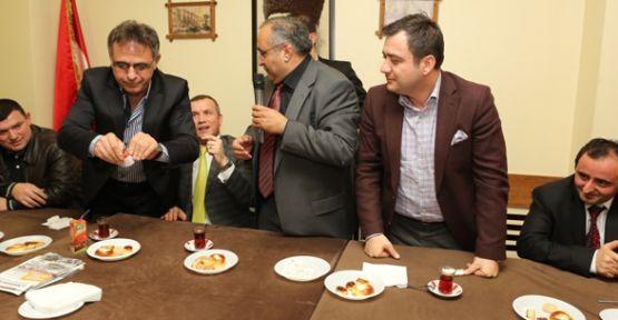 CHP Kartını yırttı, AK Parti'ye Katıldı