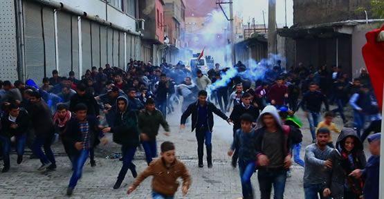 Cizre'de gergin saatler: 2 yaralı
