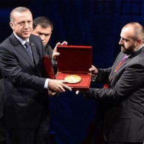 Erdoğan'ı Duygulandıran Ödül