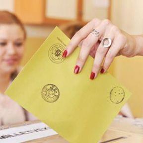 Erken Seçime Referandum Yolu Gözüktü