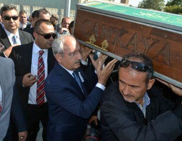 Kılıçdaroğlu da omuz verdi