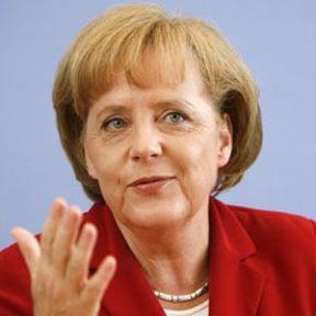 Merkel'den Türkiye Övgüsü