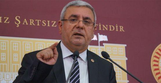 Metiner, Öcalan'a Övgüye 'Saçma' Dedi