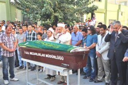 Öldürülen AK Parti İlçe Gençlik Kolları Başkan Yardımcısı Son Yolculuğuna Uğurlandı