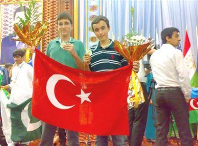 Özel Yamanlar Öğrencileri Türkmenistan'dan Altınla Döndü