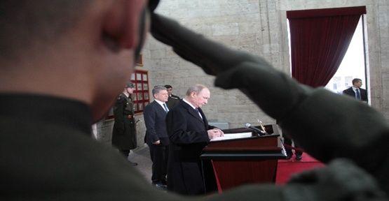 Putin Anıtkabir'de