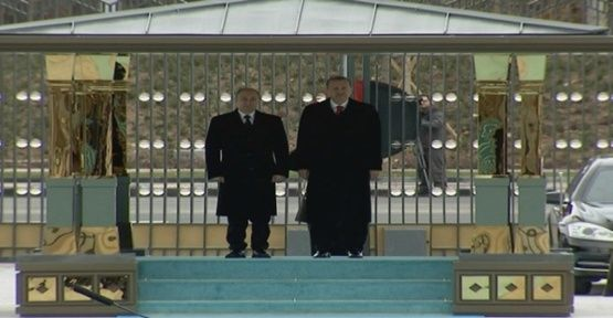 Putin Cumhurbaşkanlığı Sarayı'nda(Video)