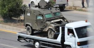 Askeri araç kaza yaptı:...