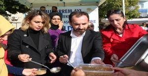 AK Parti Bayraklıdan Aşure Etkinliği