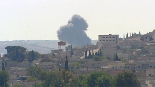 Kobani'de bombalar patlıyor