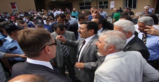 Milli eğitim müdürüne protesto şoku