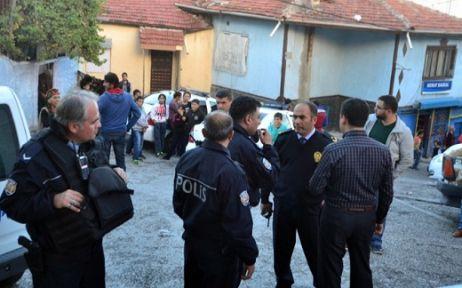 Polise uzun mamlulu silahla saldırdılar
