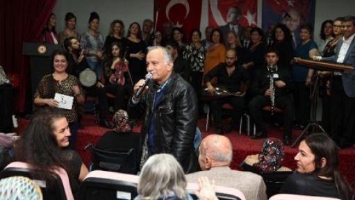 Başkan Karabağ Yaşlıların Gönlünü...