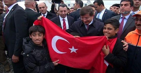 Davutoğlu mülteci kampında