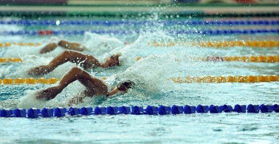 Yüzücülerden iki rekor daha geldi