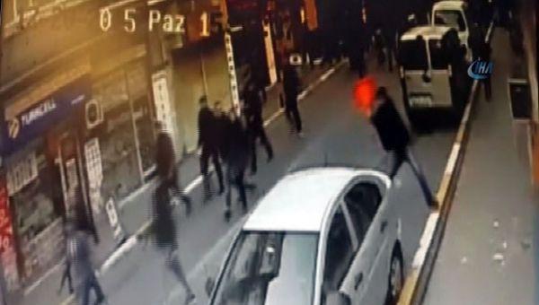 AK Parti bürosuna saldırı! İşte o anlar