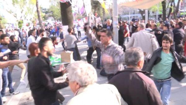 HDP'liler ile vatandaşlar arasında kavga çıktı