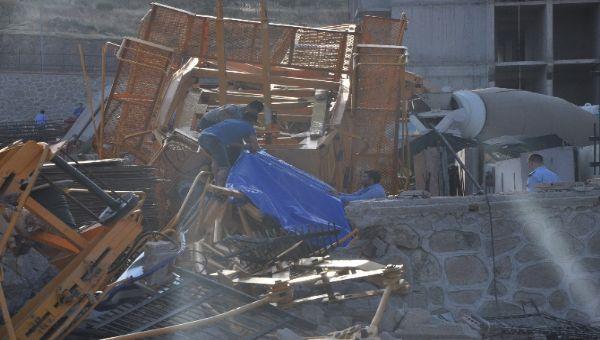 İzmir'de facia: 2 ölü, 3 yaralı