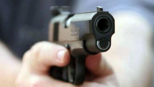 Seçim bürosunda silahlı çatışma : 1 ölü